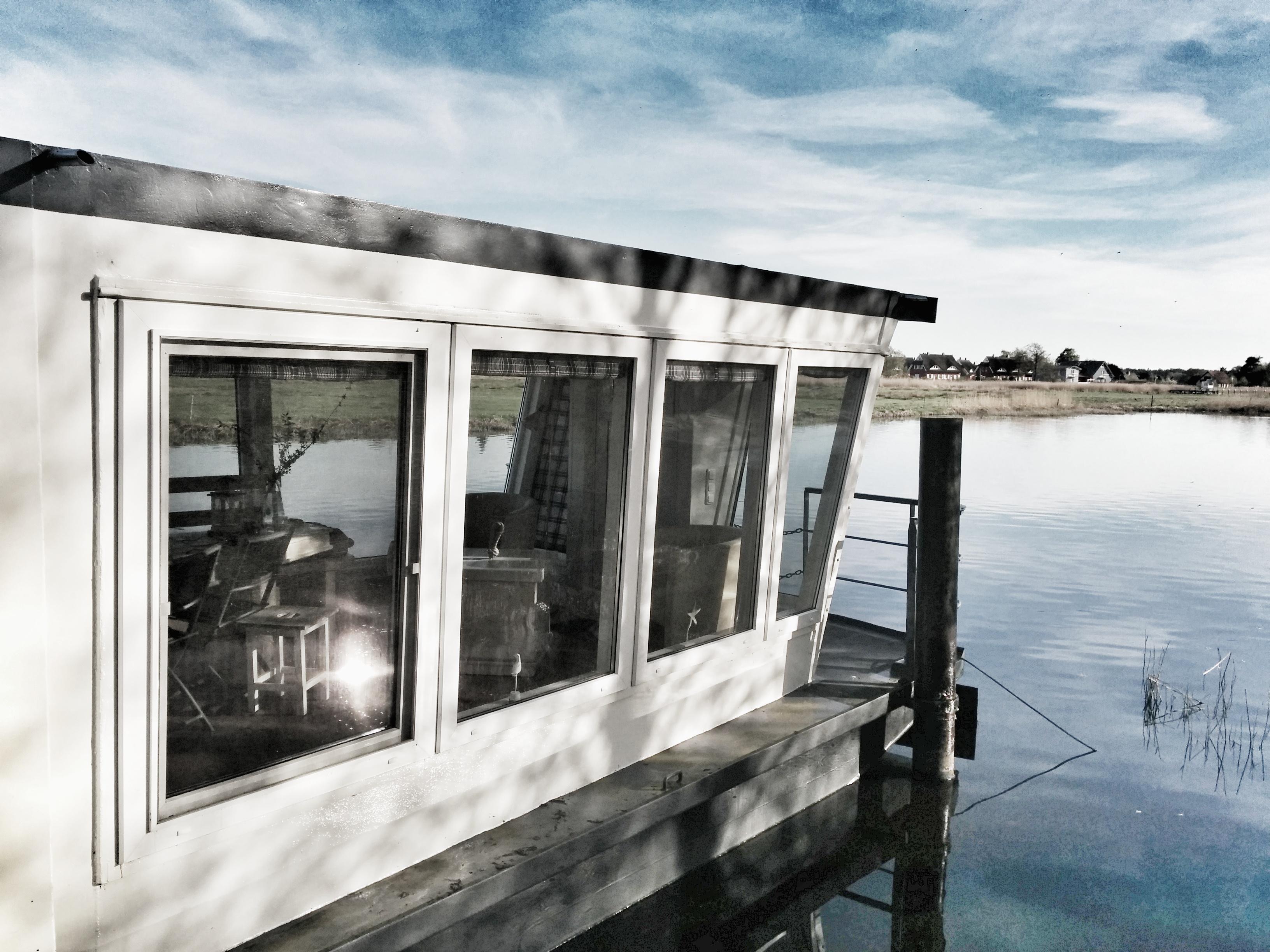 Das Wohnschiff Neptun in Prerow